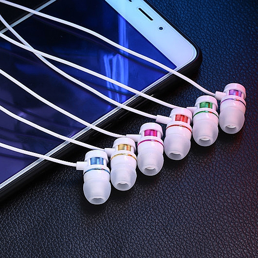 wired earphone
